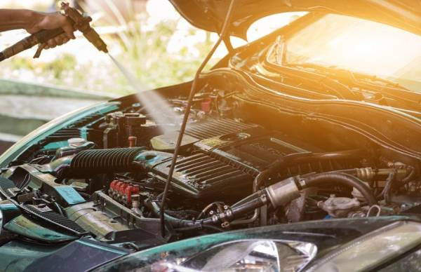 اهمیت شستن موتور ماشین