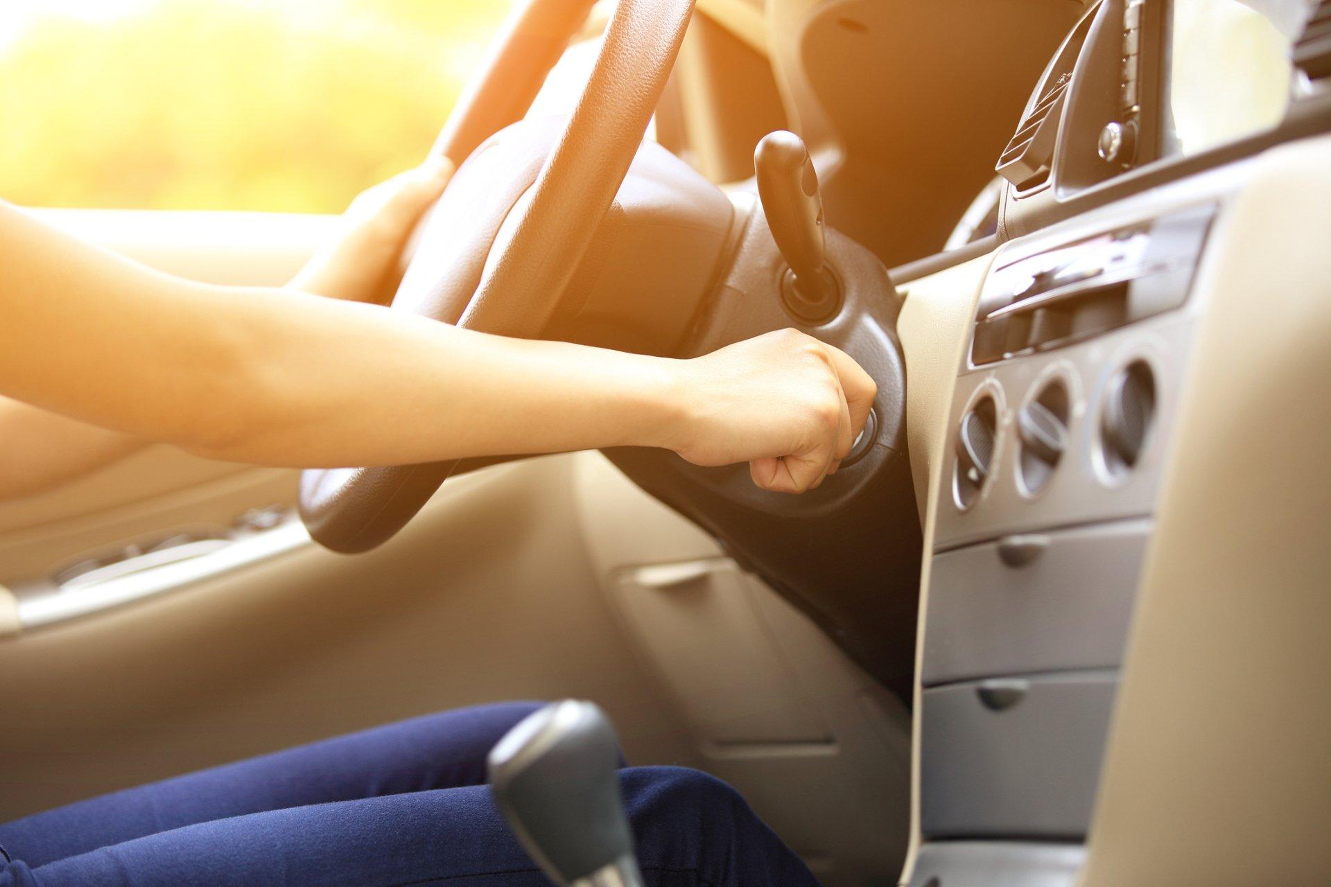 عوامل مختلف استارت خوردن و روشن نشدن خودرو چیست؟!